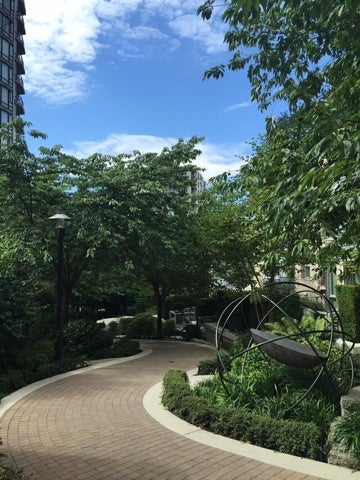 Capstone   --   135 2ND ST - North Vancouver/Lower Lonsdale #12
